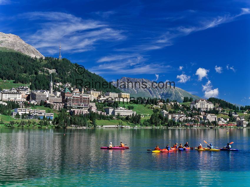 Schweiz, Graubuenden, Oberengadin, Kanuten auf dem St. Moritzsee und Blick auf St. Moritz Dorf   Switzerland, Graubuenden, Upper Engadin, canoeists at St. Moritz Lake and view at St. Moritz Village