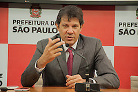 SÃO PAULO-SP-FERNANDO HADDDAD-ANÚNCIO DAS ETAPAS 1 E 2 DE CICLOVIAS- O Prefeito do Município de São Paulo,Fernando Haddad e o Secretário Municipal de Transportes,Jilmar Tatto durante coletiva de anúncio das Etapas 1 e 2 de Ciclovia em Viadutos e Pontes;Local:Prefeitura de São Paulo.Região central da cidade de São Paulo,nessa Terça-Feira,07 (Foto:Kevin David/Brazil Photo Press)