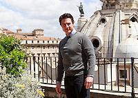 """L'attore statunitense Tom Cruise posa durante un photocall per la presentazione del film """"Edge of Tomorrow - Senza Domani"""" a Roma, 27 maggio 2014.<br /> U.S. actor Tom Cruise poses during a photocall for the presentation of the movie """"Edge of Tomorrow"""" in Rome, 27 May 2014.<br /> UPDATE IMAGES PRESS/Isabella Bonotto"""