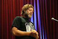 Holger Kraft von Sechzig90 bei der Begrueßung