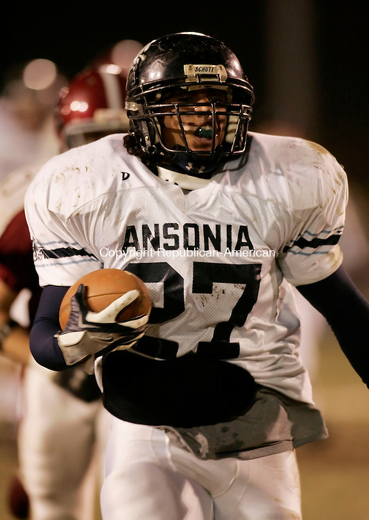 NAUGATUCK, CT 25 November 2005 -112505BZ10-  Ansonia High #27, Jeremy Jackson runs for a touchdown <br /> during the annual Naugatuck-Ansonia Thanksgiving Day Football Game Friday night.  <br /> Jamison C. Bazinet Republican-American