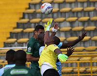 BOGOTA - COLOMBIA - 19 - 07 - 2017: Francisco Najera (Izq.) jugador de La Equidad disputa el balón con Wilder Mosquera (Der.) jugador de Jaguares FC, durante partido entre La Equidad y Jaguares FC,  por la fecha 3 de la Liga Aguila II-2017, jugado en el estadio Metropolitano de Techo de la ciudad de Bogota. / Francisco Najera (L) player of La Equidad vies for the ball with Wilder Mosquera (R) player of Jaguares FC, during a match between La Equidad and Jaguares FC, for the  date 3nd of the Liga Aguila II-2017 at the Metropolitano de Techo Stadium in Bogota city, Photo: VizzorImage  /Felipe Caicedo / Staff.
