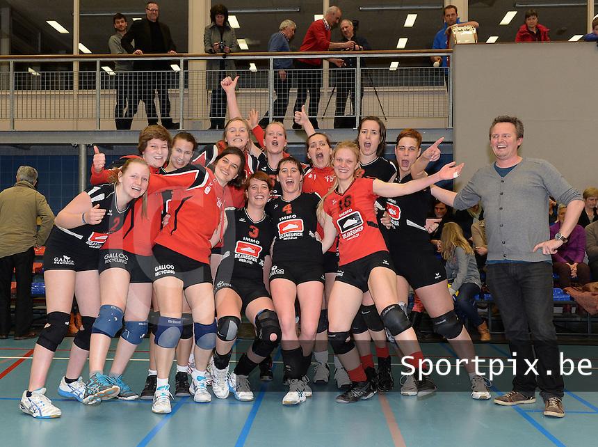 Sijos Menen Kampioen 2013-2014 in Dames 2de divisie B<br /> foto VDB / BART VANDENBROUCKE