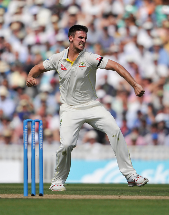 Australia's Mitchell Marsh celebrates taking the wicket of England's Ian Bell caught Michael Clarke for 13<br /> <br /> Photographer Ashley Western/CameraSport<br /> <br /> International Cricket - Investec Ashes Test Series 2015 - Fifth Test - England v Australia - Day 3 - Saturday 22nd August 2015 - Kennington Oval - London<br /> <br /> &copy; CameraSport - 43 Linden Ave. Countesthorpe. Leicester. England. LE8 5PG - Tel: +44 (0) 116 277 4147 - admin@camerasport.com - www.camerasport.com