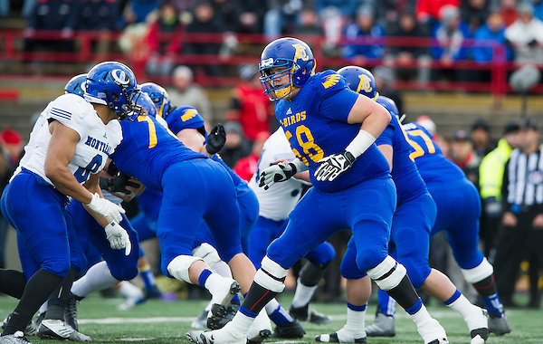 QUEBEC,QC:NOVEMBER 28, 2015 -- Action between the UBC Thunderbirds and the University of Montreal Carabins during the 51st Annual Vanier Cup at Laval University in Quebec, QC, November, 28, 2015. (Rich Lam/UBC Athletics Photo) <br /> <br /> ***MANDATORY CREDIT***