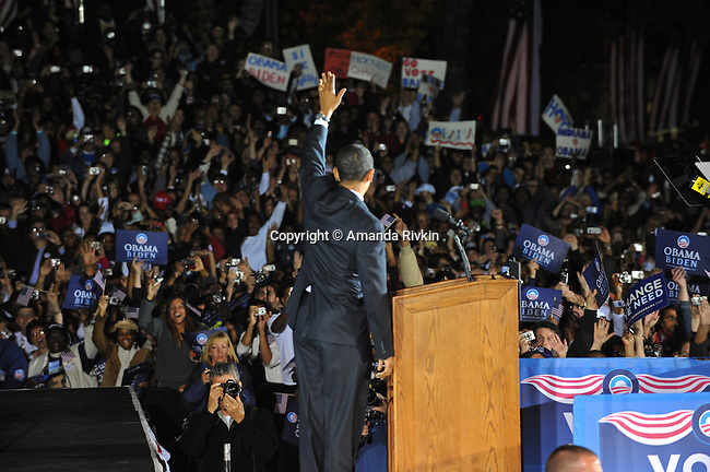Senator and Democratic presidential candidate Barack Obama of waves to his supporters at a campaign rally in Wicker Park in Highland, Indiana on October 31, 2008.