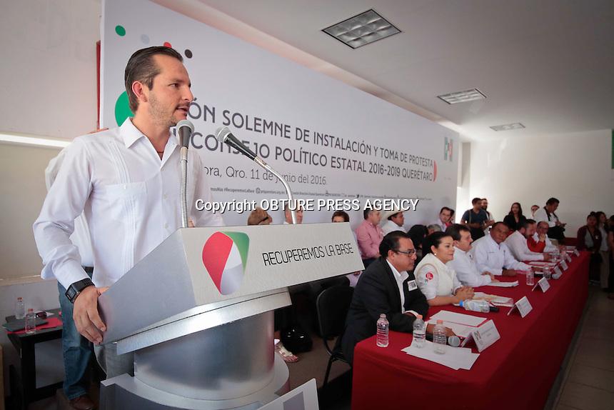 Coregidora, Qro. 11 junio 2016.- Juan José Ruíz, Presidente del Partido Revolucionario Institucional en el estado, encabezó la Sesión Solemne de Instalación y Toma de Protesta del Consejo Político Estatal 2016-2019 en las istalaciones del Partido.