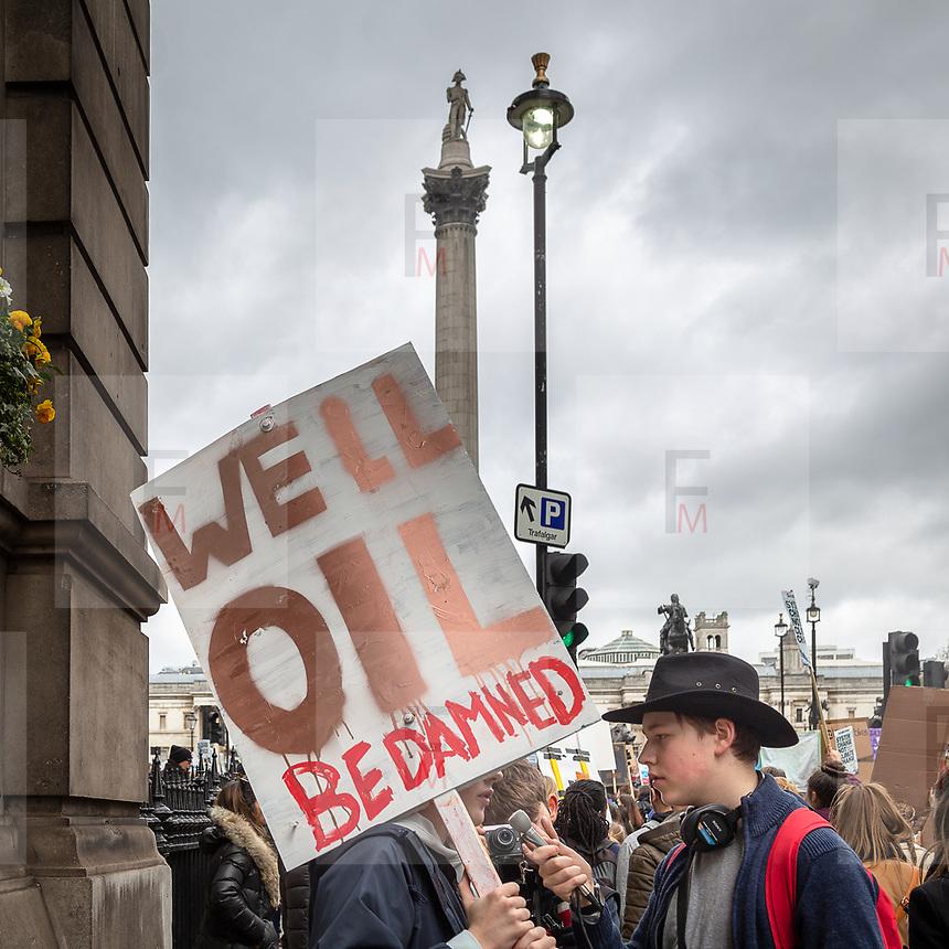 YouthStrike4Climate: la grande manifestazione mondiale contro il cambiamento climatico a Londra<br /> <br /> YouthStrike4Climate: thousands of students marching across London<br /> <br /> #YouthStrike4Climate #climatestrike<br /> <br /> #6d, #photooftheday #picoftheday #bestoftheday #instadaily #instagood #follow #followme #nofilter #everydayuk #canon #buenavistaphoto #photojournalism #flaviogilardoni <br /> <br /> #london #uk #greaterlondon #londoncity #centrallondon #cityoflondon #londonuk <br /> <br /> #photo #photography #photooftheday #photos #photographer #photograph #photoofday #streetphoto #photonews #amazingphoto #dailyphoto #goodphoto #myphoto #photoftheday #photogalleries #photojournalist #photolibrary #photoreportage #pressphoto #todaysphoto #urbanphoto