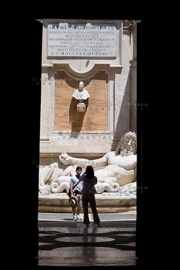 Rome continue to be one of the most visited city in the world..Roma continua ad essere una delle città più visitata al mondo