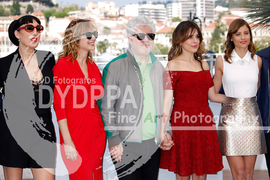 Rossy De Palma, Emma Suarez, Pedro Almodovar, Adriana Ugarte and Michelle Jenner at the 'Julieta' photocall during the 69th Cannes Film Festival at the Palais des Festivals on May 17, 2016