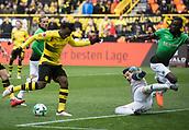 18th March 2018, Dortmund, Germany;  Football Bundesliga, Borussia Dortmund versus Hannover 96 at the Signal Iduna Park. Dortmund's Michy Batshuayi beats Philipp Tschauner of Hanover to the shot