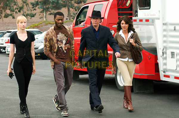 BETH RIESGRAF, ALDIS HODGE, TIMOTHY HUTTON & GINA BELLMAN.in Levrage.(Season 1, Episode 3: The Two-Horse Job).*Filmstill - Editorial Use Only*.CAP/FB.Supplied by Capital Pictures.