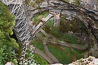 Europe/France/Midi-Pyrénées/46/Lot/Padirac: Gouffre de Padirac- le puits