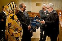 Roma 13 Novembre 2013<br /> Conferenza stampa al Senato del presidente della Repubblica araba Sahrawi Mohamed Abdelaziz in occasione dell'incontro con  l'Intergruppo parlamentare di solidariet&agrave; con il Popolo Sahrawi per fare il punto sulla situazione nel Sahara occidentale . Il  presidente della Repubblica araba Sahrawi Mohamed Abdelaziz con il senatore del movimento 5 Stelle Luis Alberto Orellana