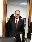 "Washington, D.C. - January 15, 2008 -- Former United States Senator George Mitchell (Democrat of Maine) arrives to testify before the United States House Committee on Oversight and Government Reform hearing on ""The Mitchell Report: The Illegal Use of Steroids in Major League Baseball."" on Tuesday, January 15, 2008..Credit: Ron Sachs / CNP.[RESTRICTION: No New York Metro or other Newspapers within a 75 mile radius of New York City]"