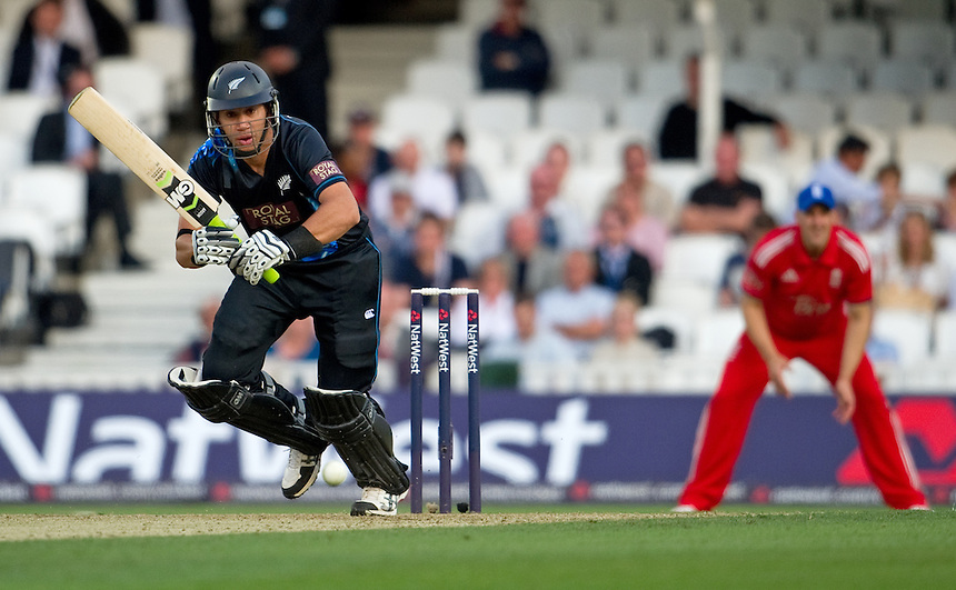 New Zealand's Ross Taylor in action during today's game against England in the T20<br /> <br />  (Photo by Ashley Western/CameraSport) <br /> <br /> International Cricket - NatWest International T20 Series - England v New  Zealand - Tuesday 25th June 2013 - The Kia Oval, London <br /> <br />  &copy; CameraSport - 43 Linden Ave. Countesthorpe. Leicester. England. LE8 5PG - Tel: +44 (0) 116 277 4147 - admin@camerasport.com - www.camerasport.com