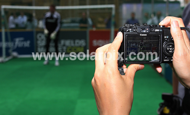 **ALL ROUND PICTURES FROM SOLARPIX.COM**.**WORLDWIDE SYNDICATION RIGHTS**.Former Chelsea FC goal keeper Dave Beasant, battles it out for the cameras to promote the Chelsea Legends tournament at Spitalfields Market, in London, UK. 11 August 2009..This pic: Dave Beasant..JOB REF: 9737 LNJ     DATE: 11_08_2009.**MUST CREDIT SOLARPIX.COM OR DOUBLE FEE WILL BE CHARGED**.**MUST NOTIFY SOLARPIX OF ONLINE USAGE**.**CALL US ON: +34 952 811 768 or LOW RATE FROM UK 0844 617 7637**