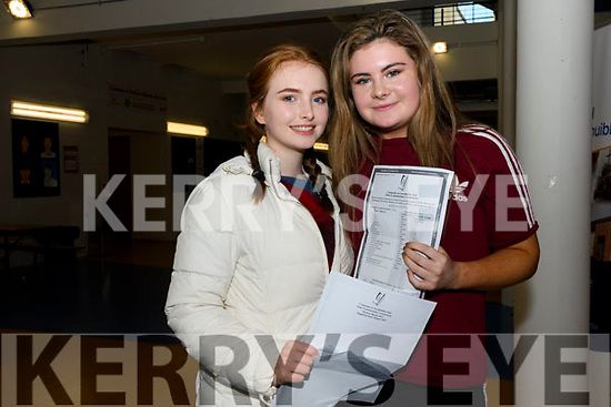 Pobalscoil Corcha Dhuibhne students Nicole Lewis and Síomha Ní hAiniféin receiving their Junior Certificate results on Wednesday last.