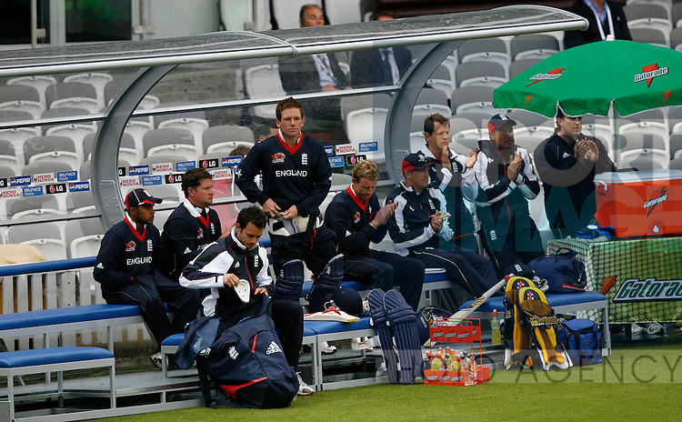 The England team in the dug-out.