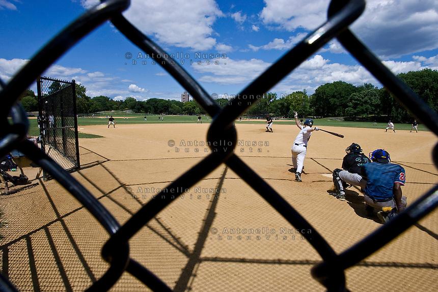 New York, Usa, Giugno 2007. Una partita di baseball giocata a Central Park