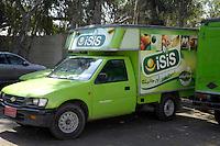 Egypte, Cairo, 5 mei 2007..Sekem hoofdkantoor te Cairo.Sekem headoffice.Vrachtwagentje die in cairo distribueert voor Sekem.Foto (c) Michiel Wijnbergh.