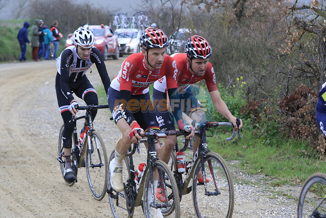 Riders including Tim Wellens (BEL) Lotto-Soudal on gravel sector 8 Monte Santa Maria during the 2017 Strade Bianche running 175km from Siena to Siena, Tuscany, Italy 4th March 2017.<br /> Picture: Eoin Clarke | Newsfile<br /> <br /> <br /> All photos usage must carry mandatory copyright credit (&copy; Newsfile | Eoin Clarke)