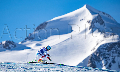 01.12.2016, Val d Isere, France.  FIS World Cup Alpine skiing , Val d Isere, Training.  Patrick Kueng of Switzerland in action during the 2nd practice run Training