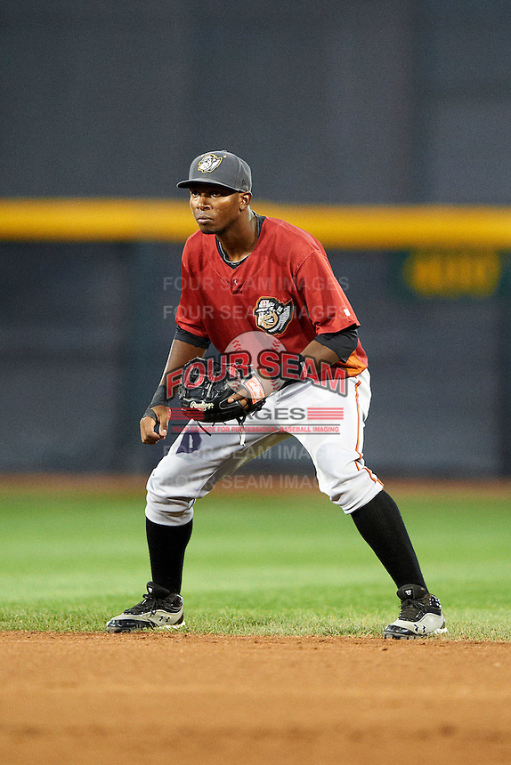 Altoona Curve shortstop Oscar Tejeda #25 during an Eastern League game against the Erie Seawolves at Jerry Uht Park on August 31, 2012 in Erie, Pennsylvania.  Altoona defeated Erie 4-3.  (Mike Janes/Four Seam Images)