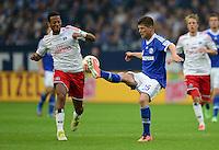 FUSSBALL   1. BUNDESLIGA   SAISON 2012/2013    31. SPIELTAG FC Schalke 04 - Hamburger SV          28.04.2013 Dennis Aogo (li, Hamburger SV) gegen Klaas Jan Huntelaar (re, FC Schalke 04)