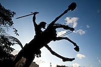 Havana, 01 de Junho de 2011..Estatua de Dom Quixote na regiao central de havana. Ha uma verdadeira devocao pela figura de Quixote por todo o pais...Estatua de Don Quijote en el centro de La Habana. Hay una verdadera devoción a la figura del Quijote en todo el país...Foto: LEO DRUMOND / NITRO