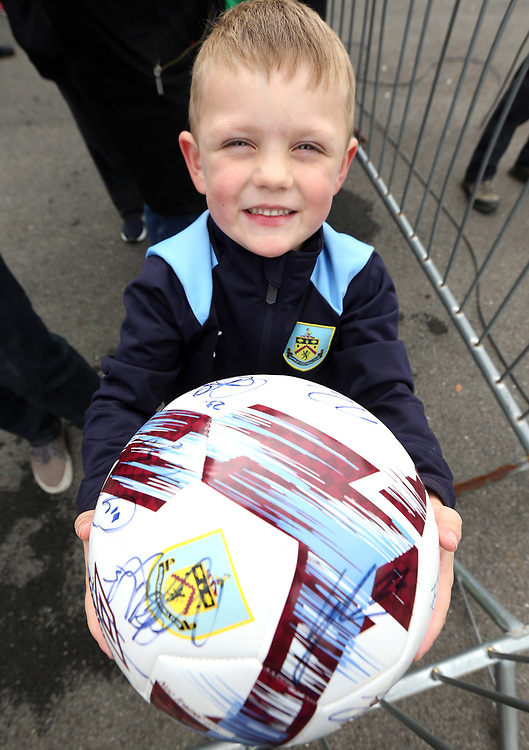 A young fan waits for autographs as the Burnley players arrive ahead of kick-off at Turf Moor<br /> <br /> Photographer Rich Linley/CameraSport<br /> <br /> The Premier League - Burnley v Everton - Saturday 5th October 2019 - Turf Moor - Burnley<br /> <br /> World Copyright © 2019 CameraSport. All rights reserved. 43 Linden Ave. Countesthorpe. Leicester. England. LE8 5PG - Tel: +44 (0) 116 277 4147 - admin@camerasport.com - www.camerasport.com