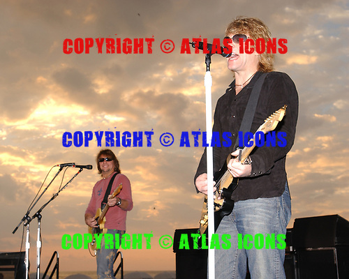 MIAMI BEACH FL - NOVEMBER 15: Richie Sambora and Jon Bon Jovi of Bon Jovi perform during Good Morning America at Miami Beach on November 15, 2002 in Sunrise, Florida. Photo by Larry Marano © 2002