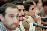 20171019 Javier Calvelo - adhocFOTOS/ URUGUAY/ MONTEVIDEO/ anexo Palacio Legislativo - SALA 15 &quot;DRA. ALBA ROBALLO/ Comisi&oacute;n Especial de Deporte de Diputados tras el paro de futbolistas recibe a la Mutual Uruguaya de Futbolistas Profesionales (MUFP) y al colectivo &quot;M&aacute;s Unidos Que Nunca&quot;. <br /> En la foto:   Los jugadores representantes del colectivo Mas Unidos que Nunca en el anexo Palacio Legislativo. Foto: Javier Calvelo/ adhocFOTOS