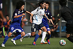 (L to R) Eriko Arakawa (ELFEN) ,Homare Sawa (INAC), <br /> JUNE 15, 2014 - Football / Soccer : 2014 Nadeshiko League, between AS ELFEN SAITAMA 1-3 INAC KOBE LEONESSA at NACK 5 Stadium Omiya, Saitama, Japan. (Photo by Jun Tsukida/AFLO SPORT)