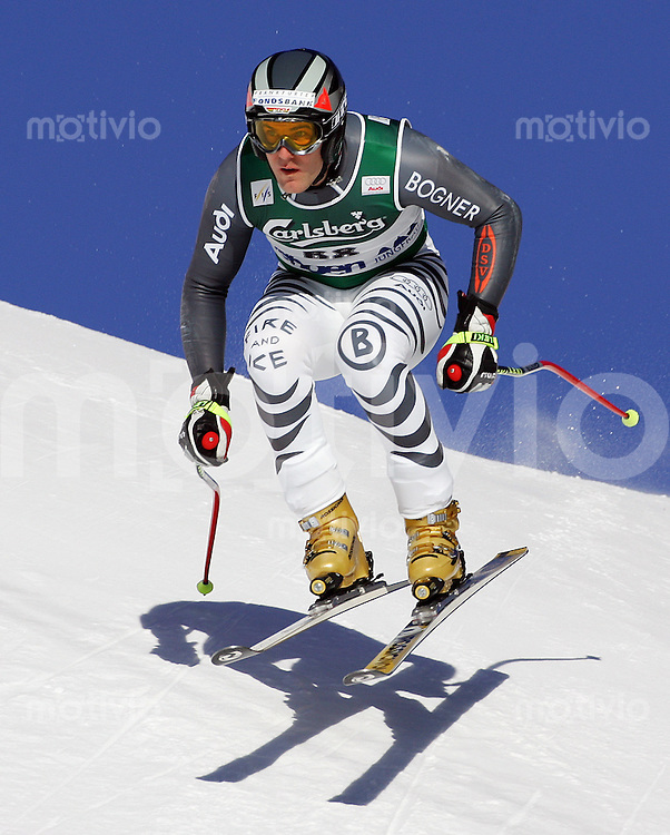 Ski Alpin; Saison 2005/2006 Abfahrt Wengen Herren 76. Lauberhornrennen Andreas Ertl (Deutschland) am Hundschopfsprung