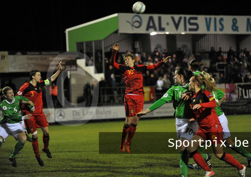 UEFA Women's Euro Qualifying group stage (Group 3) -  KFC Dessel - Armand Melis Stadion : BELGIUM -Northern Ireland ( Belgie - Noord Ierland ) : kopbal van Aline zeler voor de toekijkende Heleen Jaques.foto DAVID CATRY / Vrouwenteam.be / Loft6.be