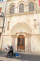 Capilla del Cristo de la Victoria , street musician calle ancha , Leon spain castile and leon
