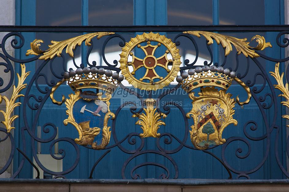 Europe/France/Midi-Pyrénées/31/Haute-Garonne/Toulouse: Place du Capitole, détail des fers forgés des balcons du Capitole
