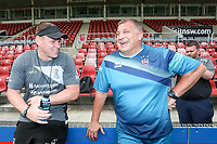 Picture by David Neilson/SWpix.com/PhotosportNZ - 09/02/2018 - Rugby League - Betfred Super League - Wigan Warriors v Hull FC - Captain's Run - WIN Stadium, Wollongong, Australia - Lee Radford & Shaun Wane share a joke.