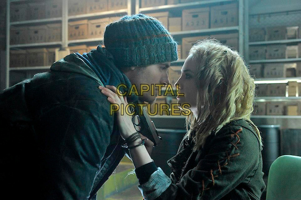 Kevin Zegers & Charlotte Sullivan.in The Colony (2013) .*Filmstill - Editorial Use Only*.CAP/NFS.Supplied by Capital Pictures.