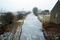 Due to extreme winter temperatures the canal has frozen over...© SHOUT. THIS PICTURE MUST ONLY BE USED TO ILLUSTRATE THE EMERGENCY SERVICES IN A POSITIVE MANNER. CONTACT JOHN CALLAN. Exact date unknown.john@shoutpictures.com.www.shoutpictures.com.