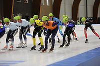 SCHAATSEN: LEEUWARDEN: 30-09-2015, Elfstedenhal, 1e competitiewedstrijd Mass Start, Sjinkie Knegt (#12), ©foto Martin de Jong