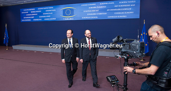 Brussels-Belgium - February 07, 2013 -- European Council, EU-summit meeting of Heads of State / Government; here, Francois (François) HOLLANDE (le), President of France, with Martin SCHULZ (ri), President of the European Parliament, leaving the scenery after posing for the family photo  -- Photo: © HorstWagner.eu