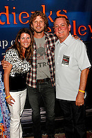Rhythm on the Vine - Dierks Bentley Meet and Greet