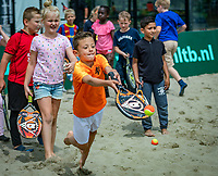 Den Bosch, Netherlands, 12 June, 2018, Tennis, Libema Open, KNLTB tennis kids, beach tennis<br /> Photo: Henk Koster/tennisimages.com