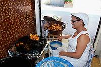 Spanien, Mallorca, Verkauf von Bunyoles (Schmalzgebäck) in Palma de Mallorca