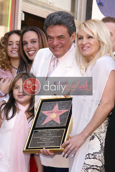 Jose Jose with family and friends