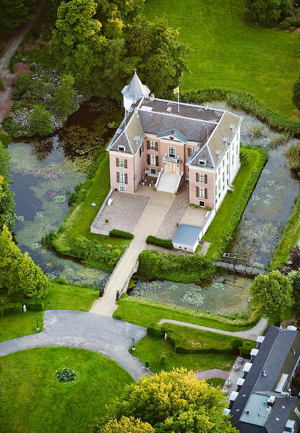 Nederland, Doorn, 11 juni 2008.Luchtfoto van Huis Doorn, voormalig kasteel van Keizer Willem II..Foto (c) Michiel Wijnbergh