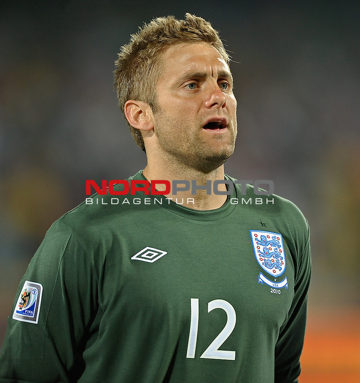 12.06.2010, Royal Bafokeng Stadium, Rustenburg, RSA, FIFA WM 2010, England (ENG) vs USA (USA), im Bild Robert Green of England during the national anthem,  Foto: nph /    Mark Atkins *** Local Caption *** Fotos sind ohne vorherigen schriftliche Zustimmung ausschliesslich f&uuml;r redaktionelle Publikationszwecke zu verwenden.<br /> <br /> Auf Anfrage in hoeherer Qualitaet/Aufloesung