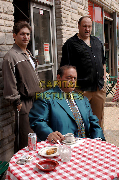 MICHAEL IMPERIOLI, JOE GANNASCOLI & JAMES GANDOLFINI.in The Sopranos (Season 6).*Editorial Use Only*.www.capitalpictures.com.sales@capitalpictures.com.Supplied by Capital Pictures.